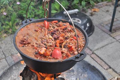 Valhal Dutch oven 5L met pootjes met Chili con carne
